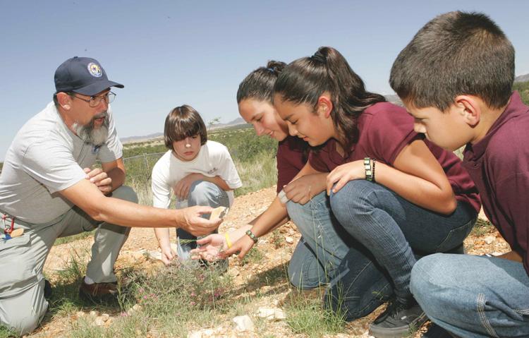 volunteering, mindful community participation